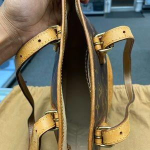 Louis Vuitton Bags - Louis Buitton monogram bucket bag with pouch